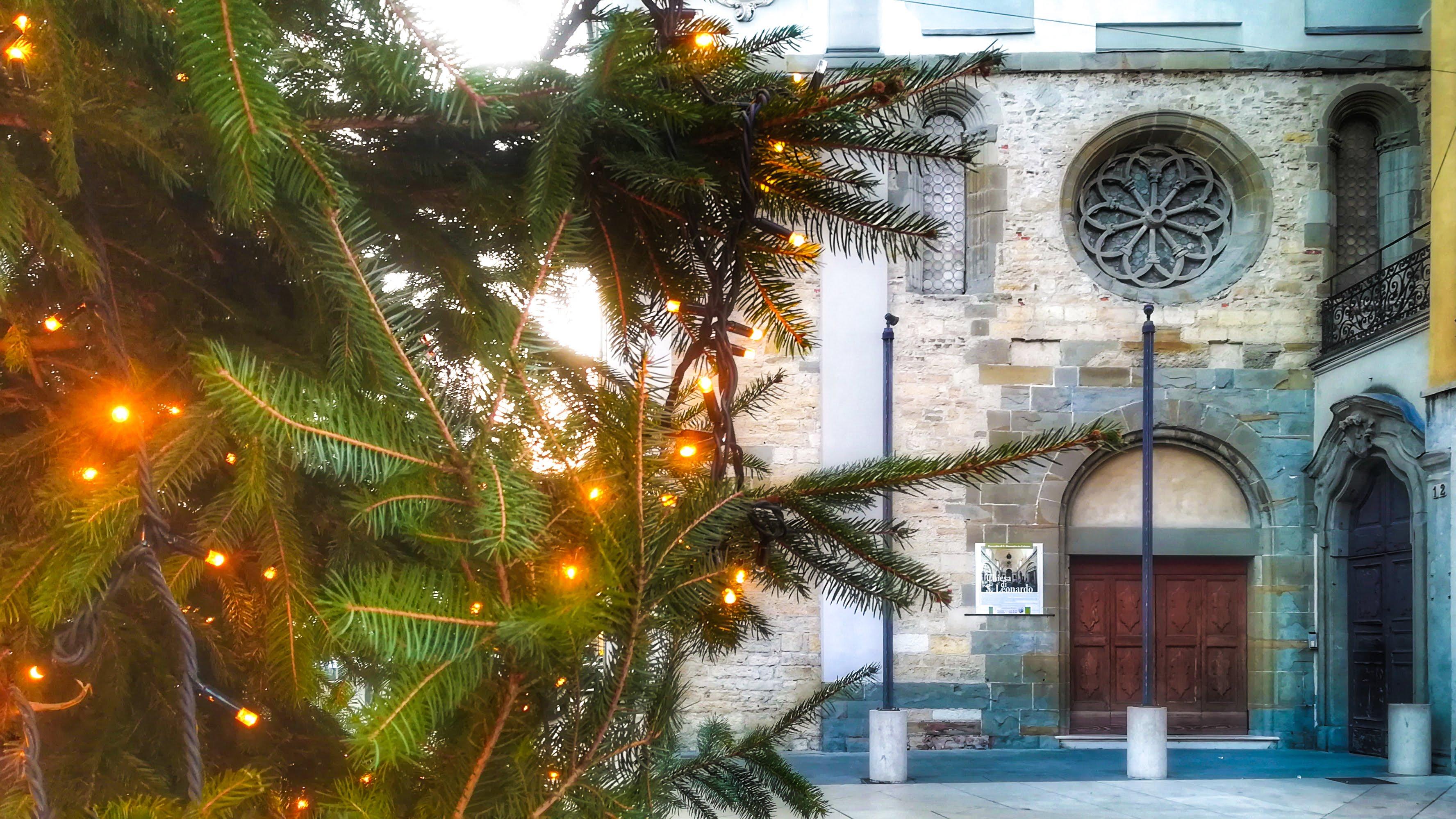 – Bergamo, Chiesa di San Leonardo, Largo Rezzara –